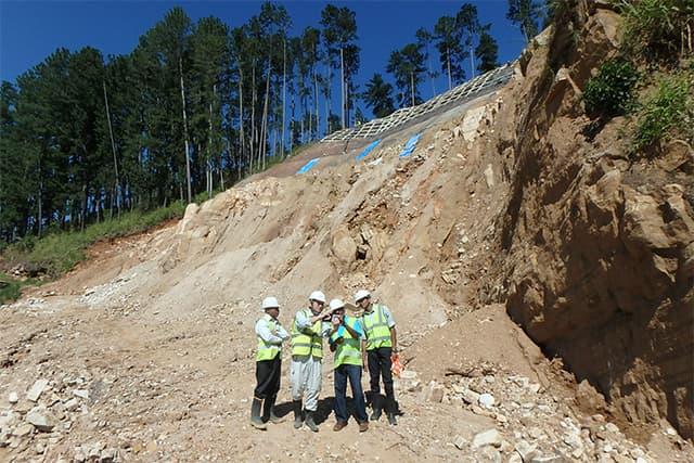 スリランカ民主社会主義共和国 国道土砂災害対策事業